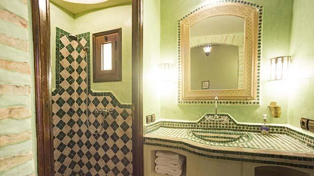 Accommodations Dades Triple Room bathroom