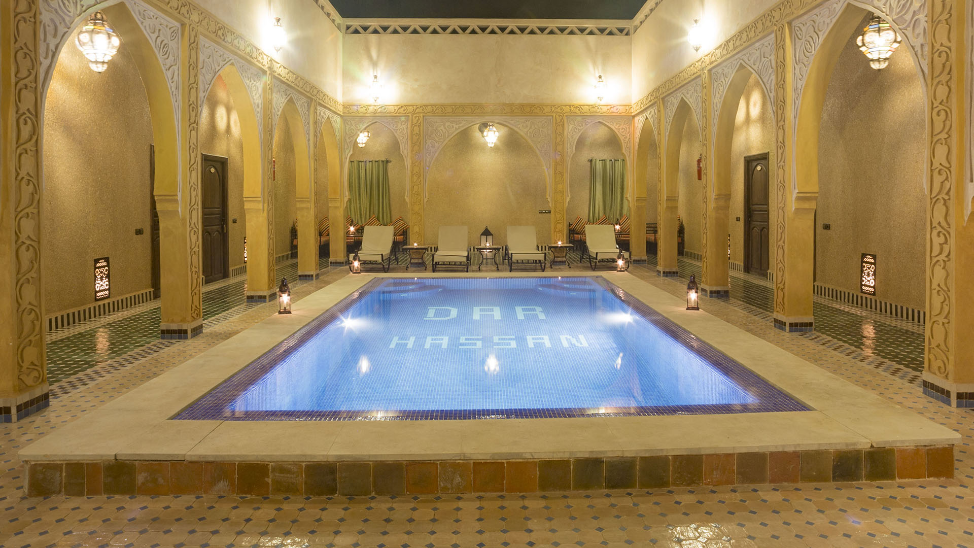 About Riad Dar Hassan swimming pool - photo Ezyê Moleda all rights reserved